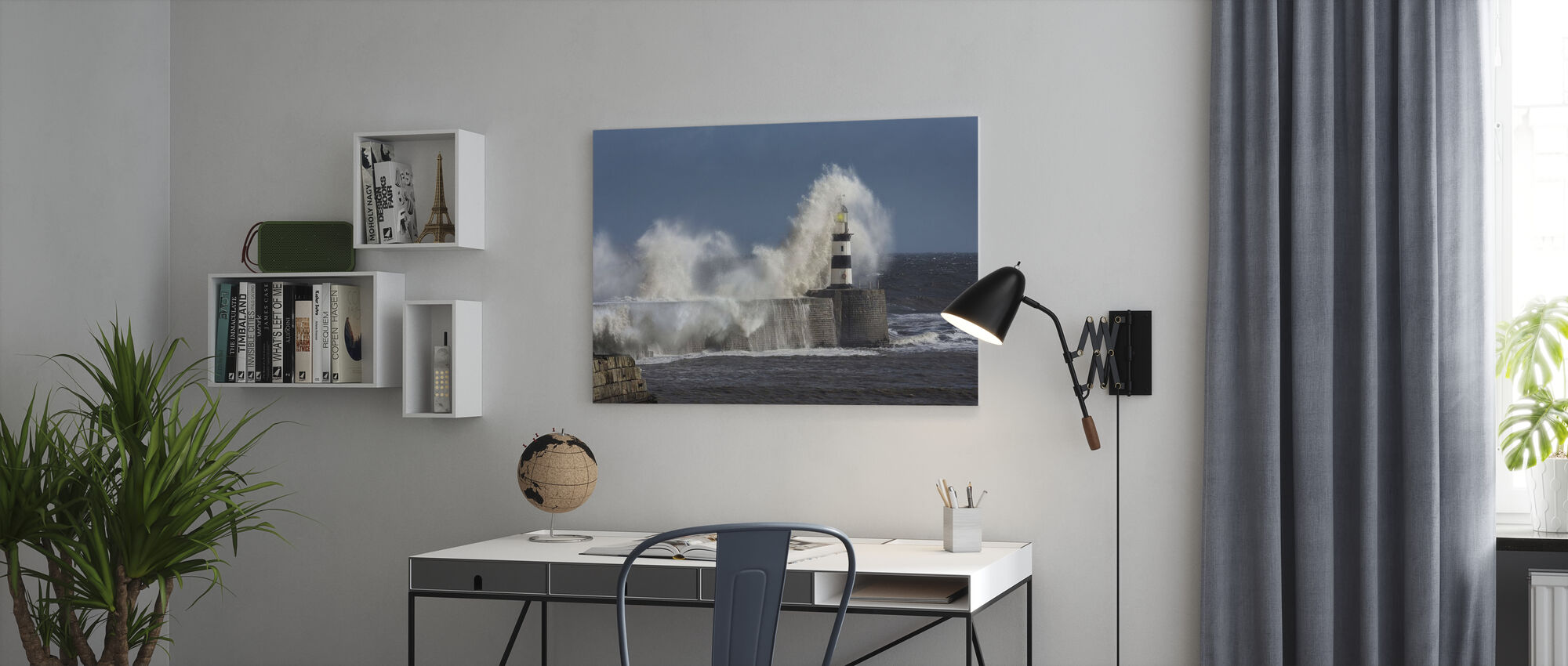 Rough Sea vid Seaham fyr i England - Canvastavla - Kontor