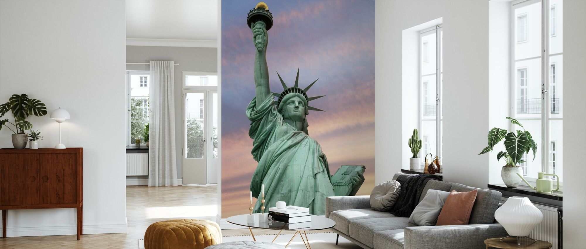 Frihedsgudinden under en levende himmel - Tapet - Stue
