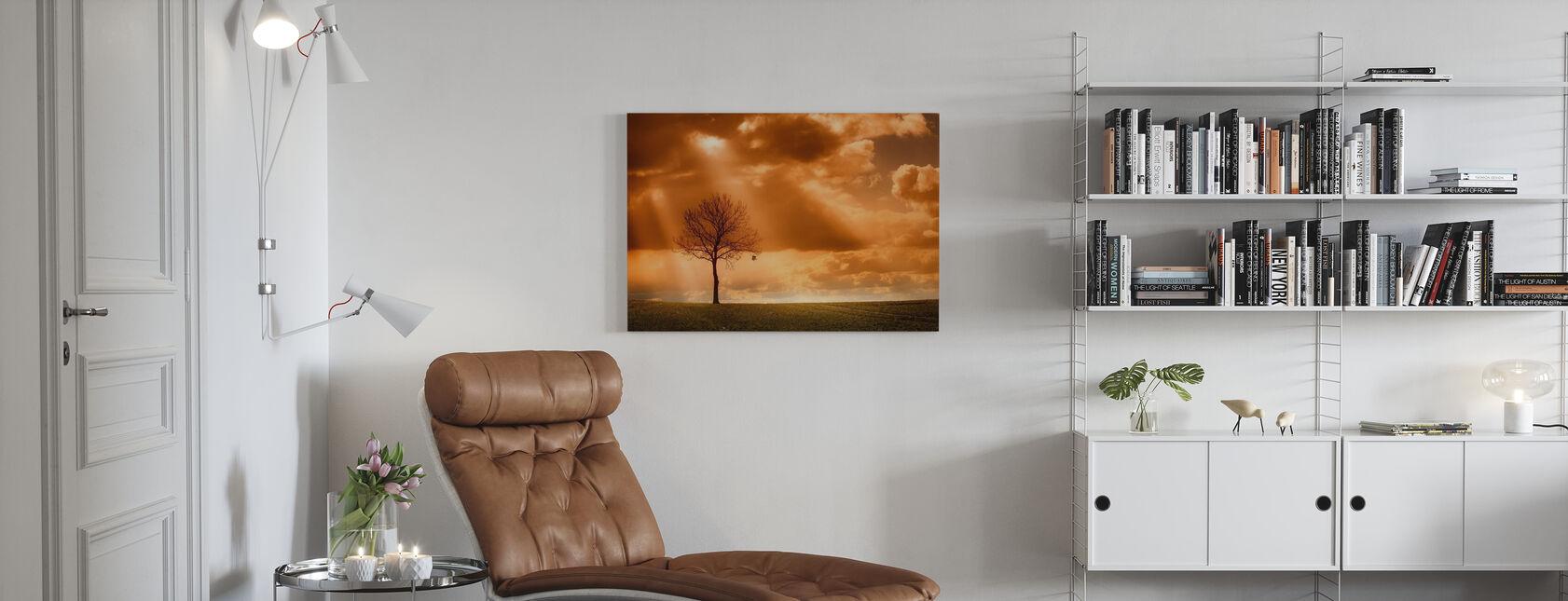 Oranje Boom in veld - Canvas print - Woonkamer