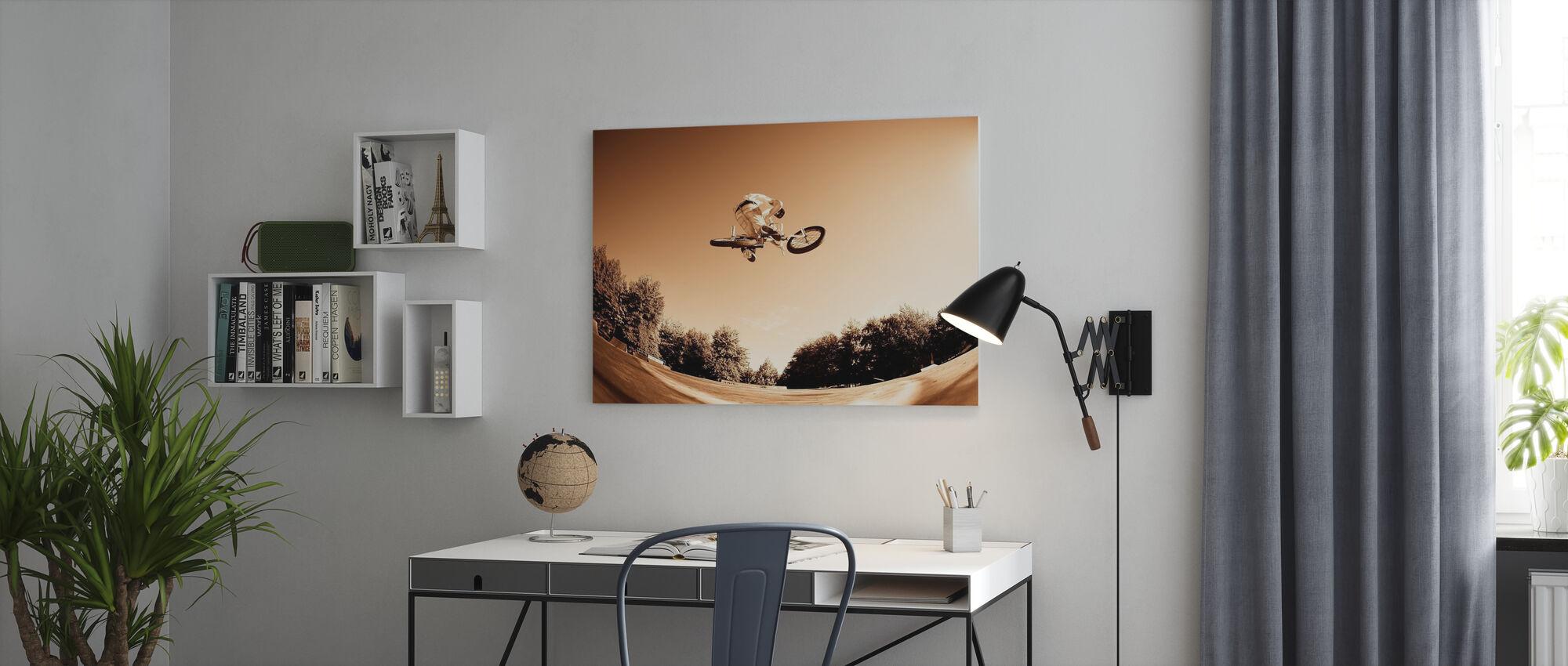 Hoge BMX-sprong - Canvas print - Kantoor