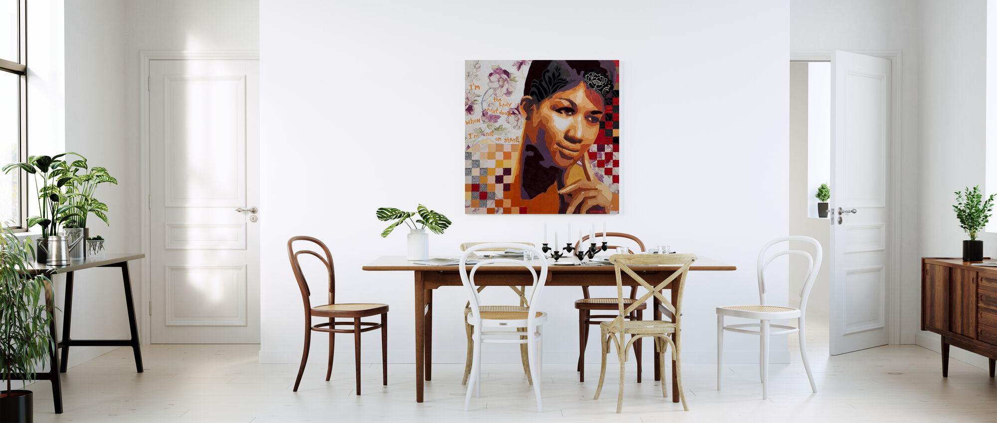 Jenta ved siden av - Lerretsbilde - Kjøkken