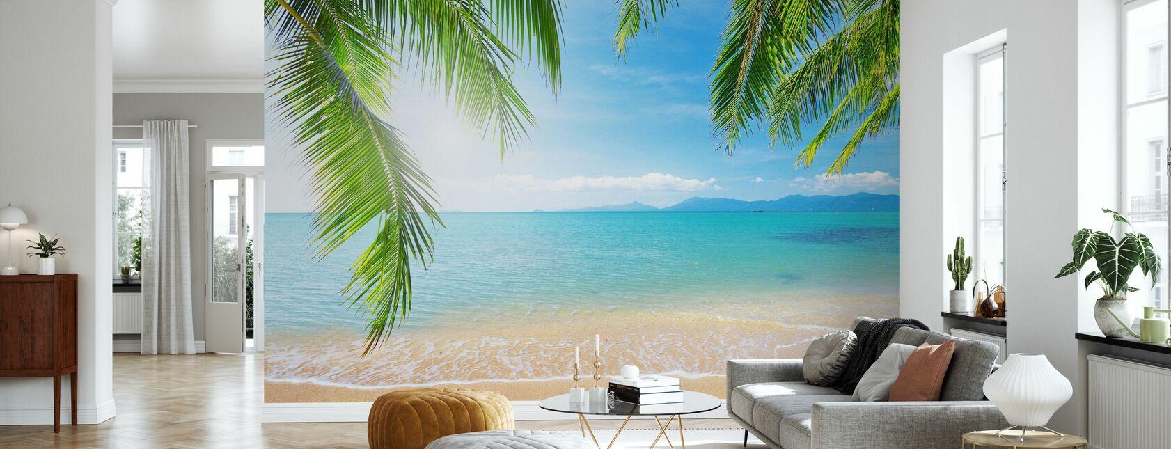 Trooppinen näkymä palmun alla - Tapetti - Olohuone