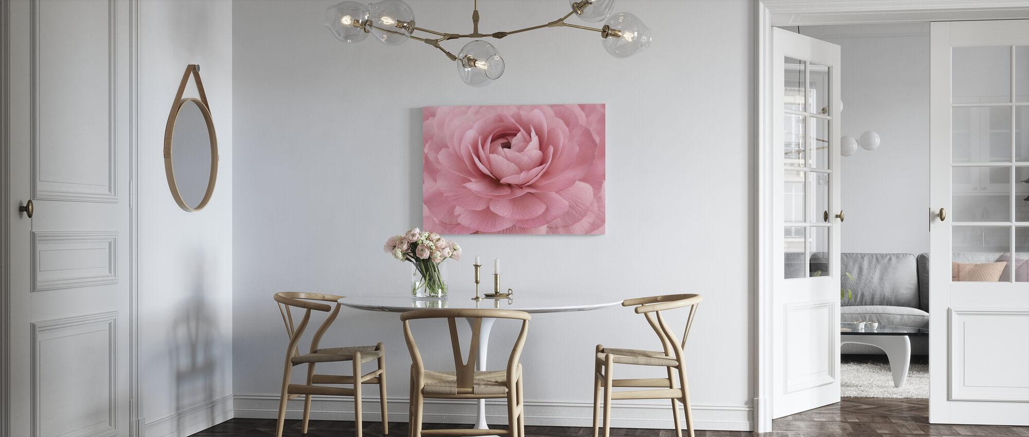 Vaaleanpunainen Leinikki - Canvastaulu - Keittiö