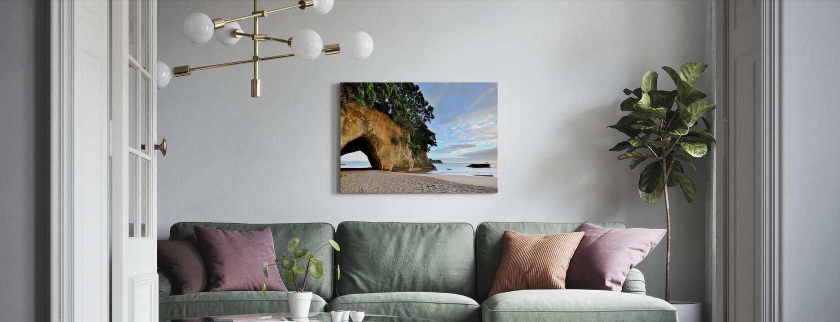Felsenhöhle am Strand - Leinwandbild - Wohnzimmer