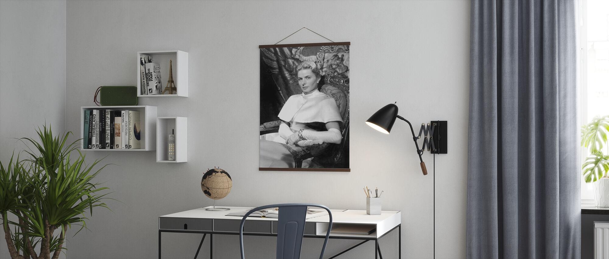 Anastasia 1986 - Juliste - Toimisto