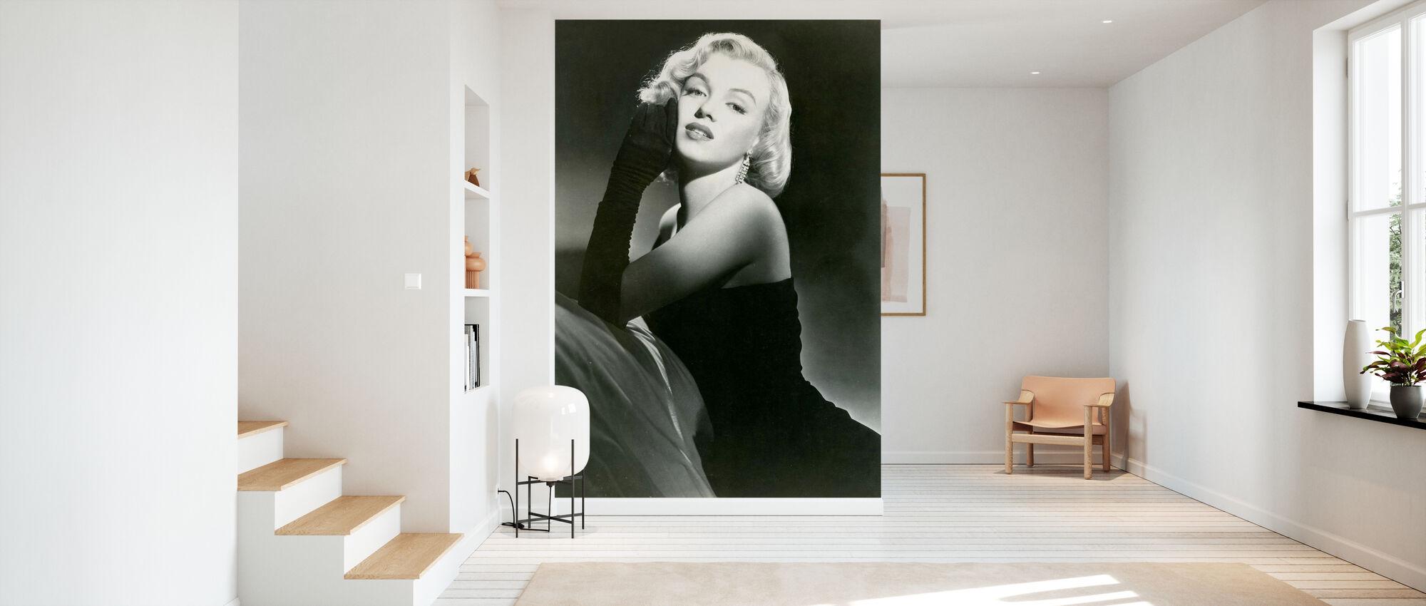 Portrait of Glamour - Wallpaper - Hallway