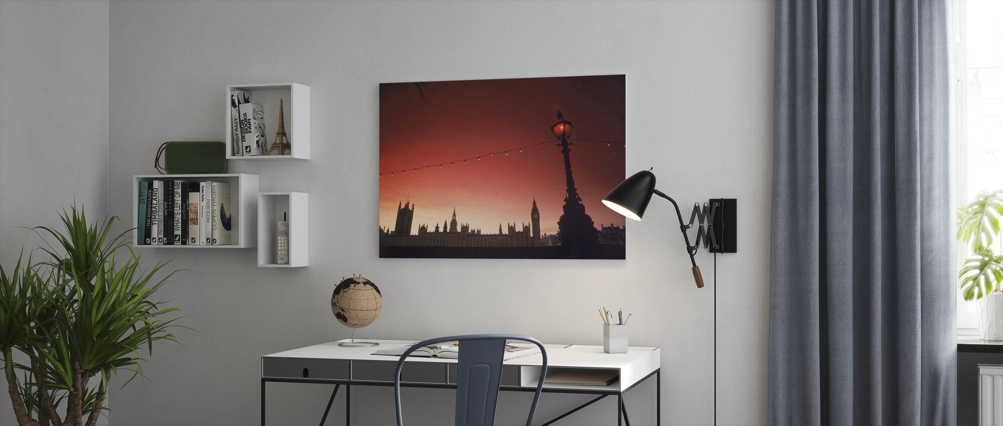 Een studie in Scarlet, Londen - Canvas print - Kantoor