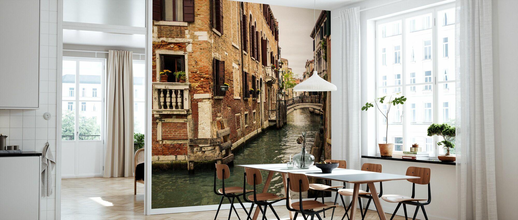 Bricks and Bridges in Venice - Wallpaper - Kitchen