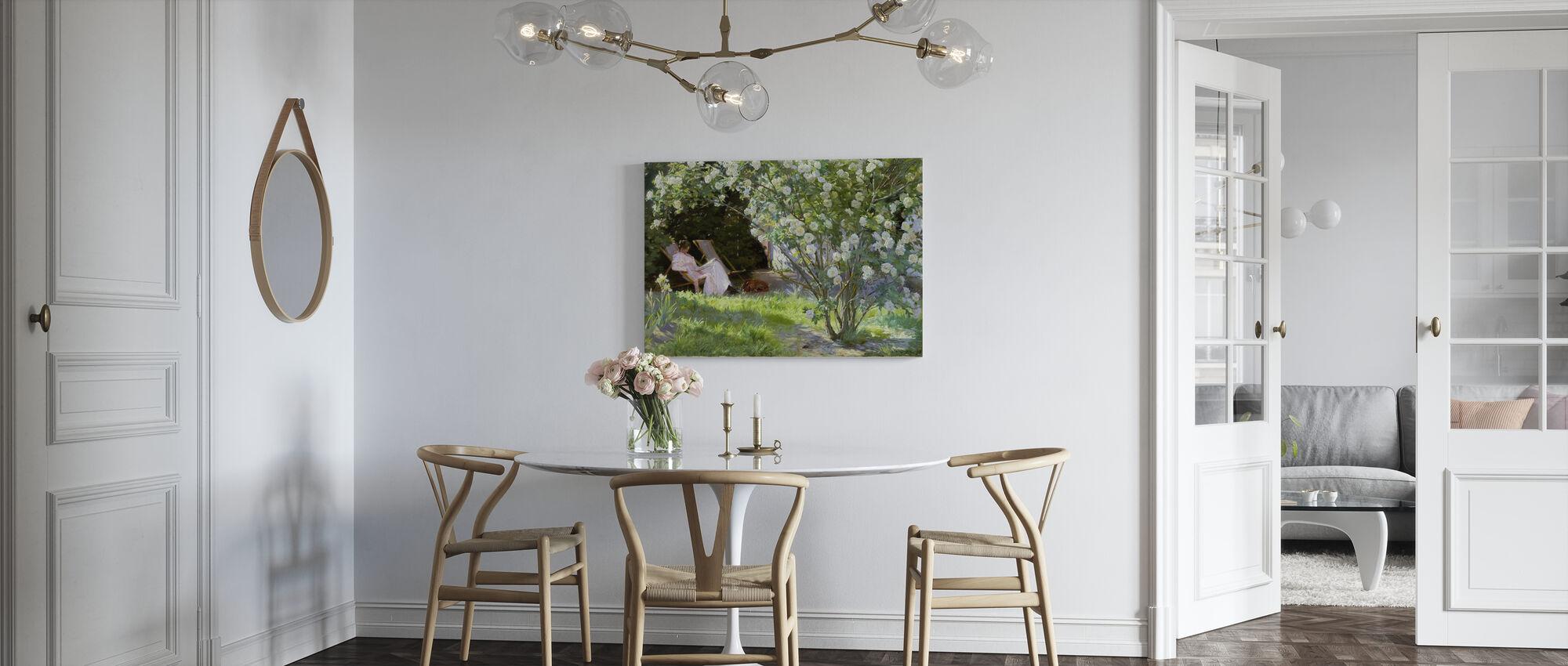 Konstnärens fru i Skagens trädgård - Peder Severin Kroyer - Canvastavla - Kök