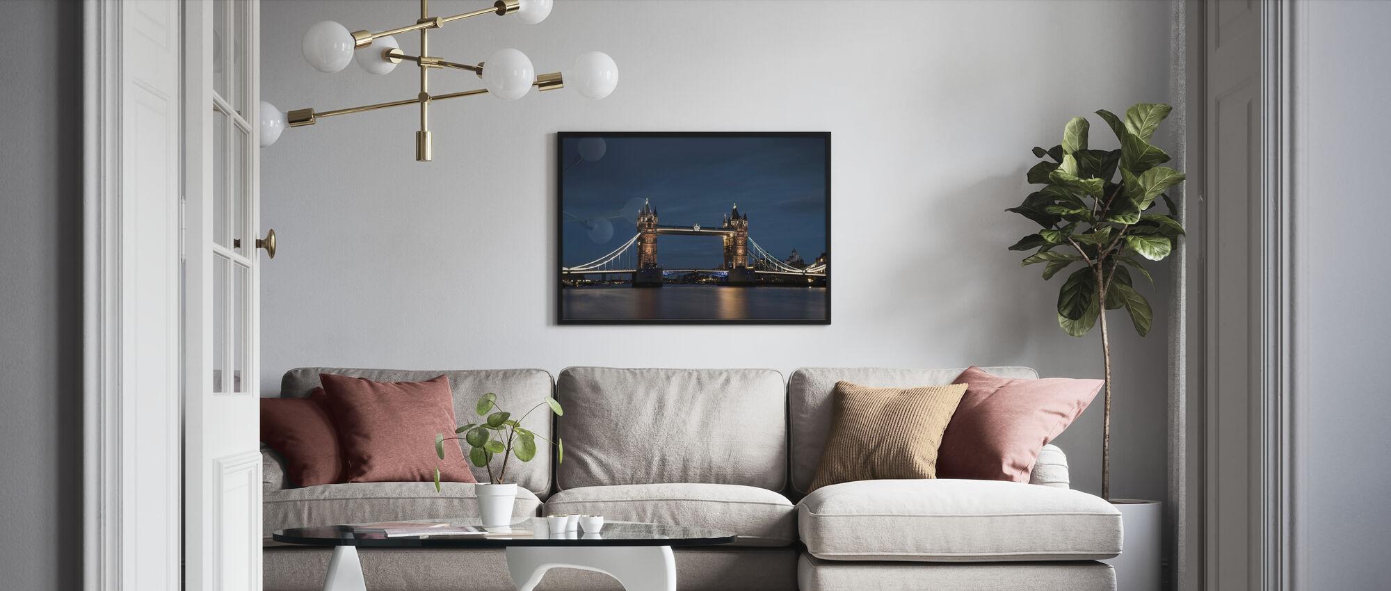 Hochhäuser und blauer Himmel in London - Poster - Wohnzimmer