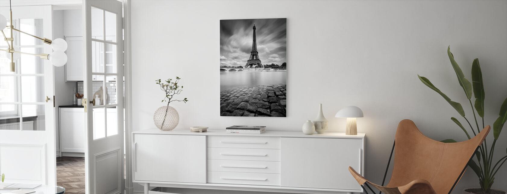 Eiffel-tornin tutkimus - Canvastaulu - Olohuone