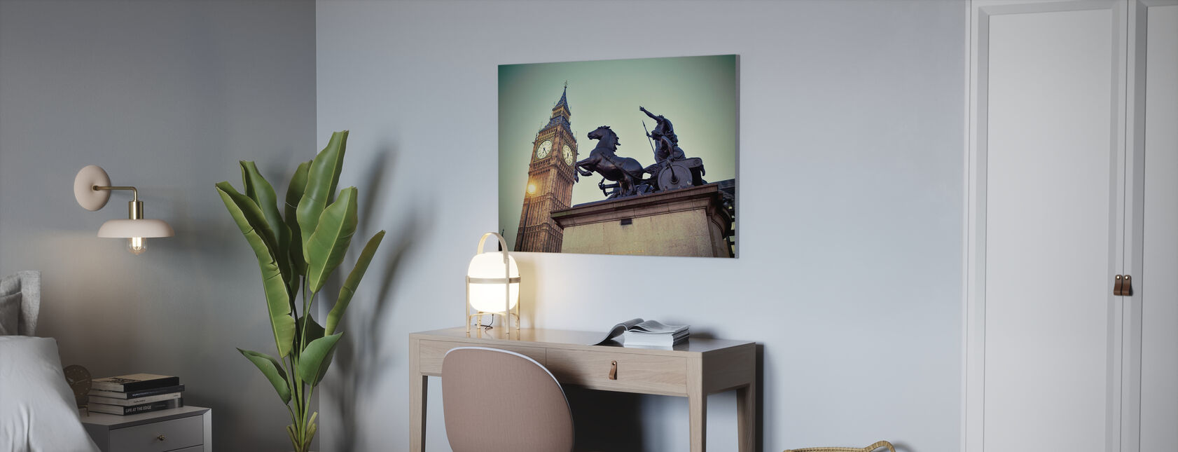 Queen Bodicea and the Time - Canvas print - Office