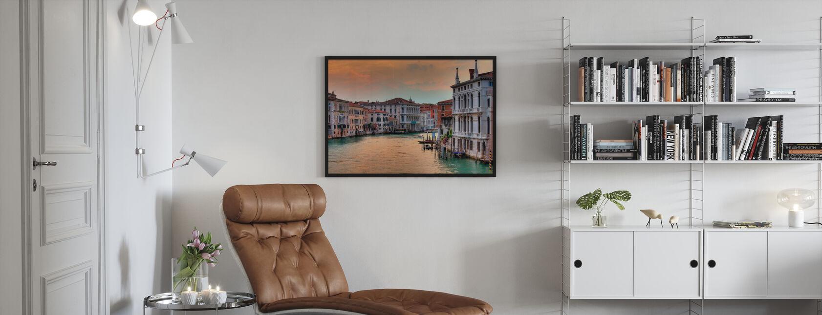 Canal Grande in der Dämmerung - Gerahmtes bild - Wohnzimmer