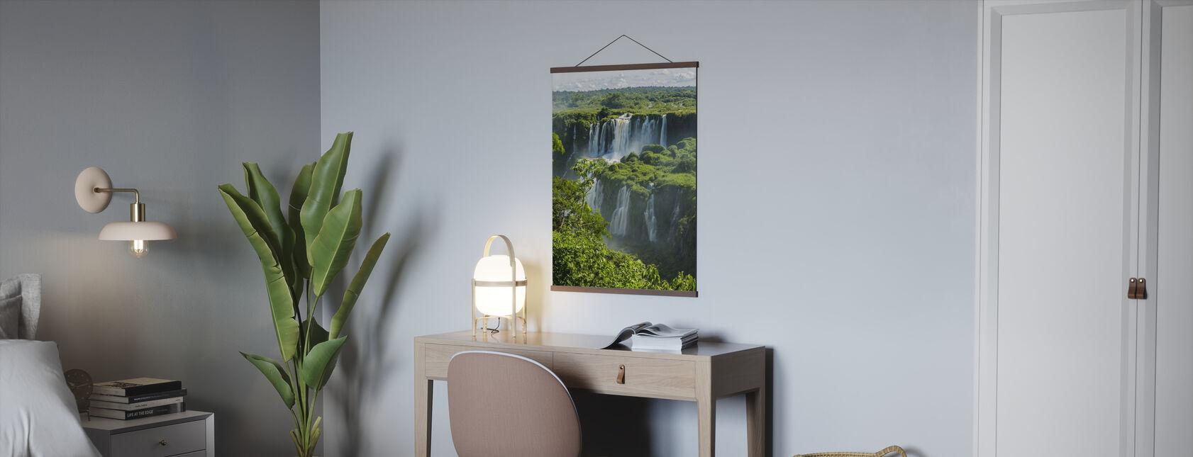 Iguazu vattenfall genom träd - Poster - Kontor