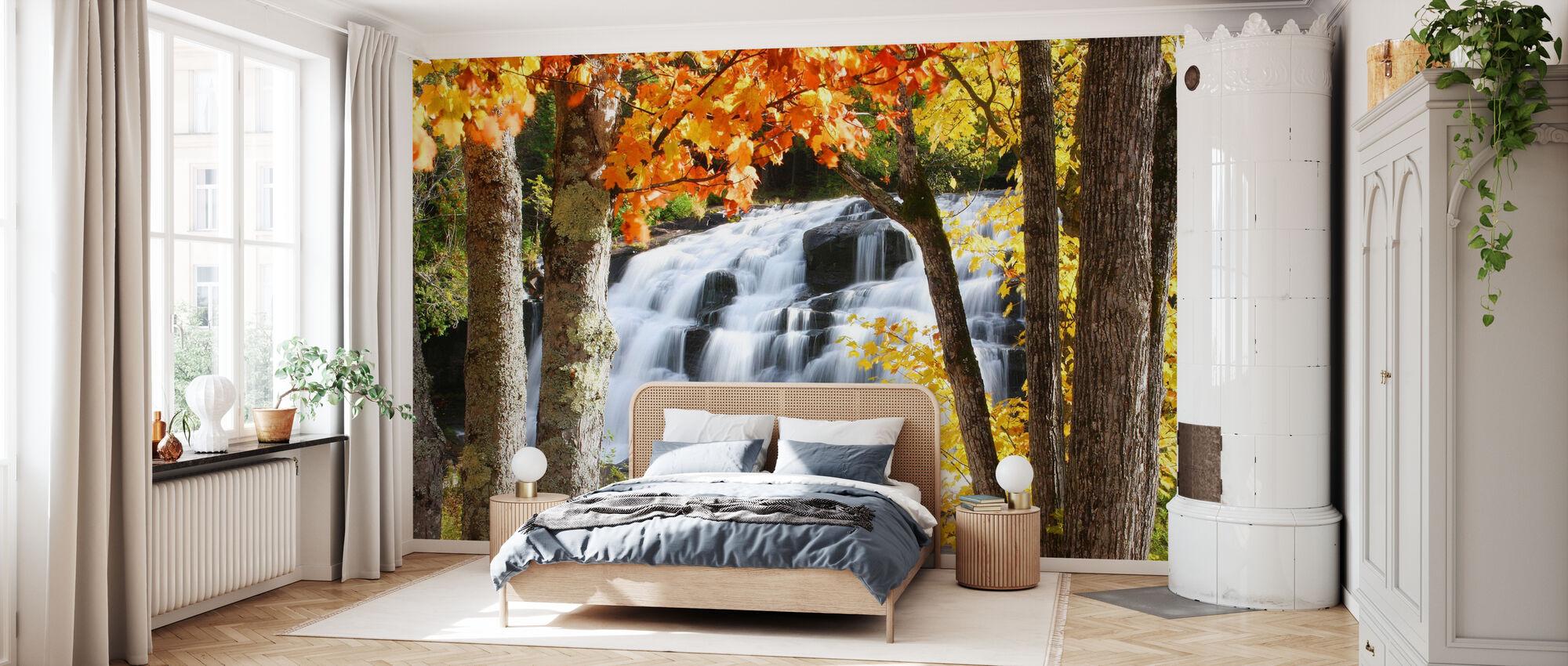 Bond Falls dressed in Autumn colors - Wallpaper - Bedroom