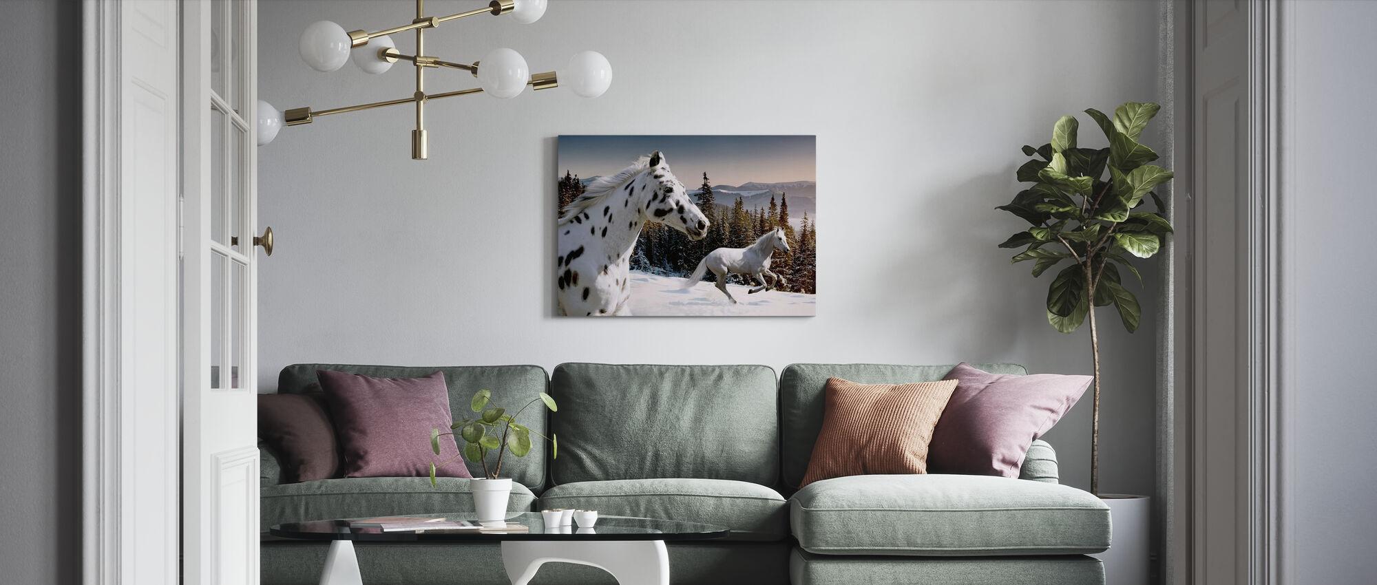 Galopping vinter Eventyrland - Lerretsbilde - Stue
