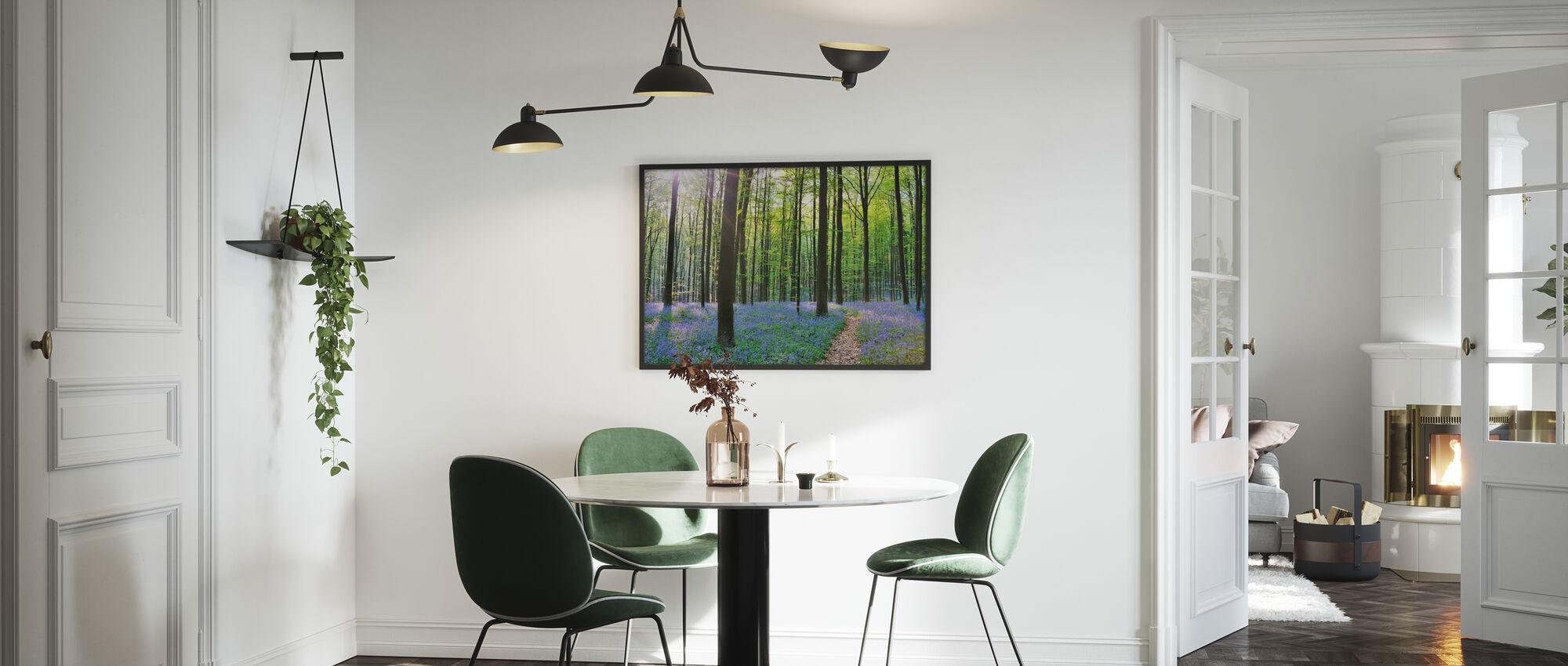 Väg genom Bluebells Forest - Poster - Kök