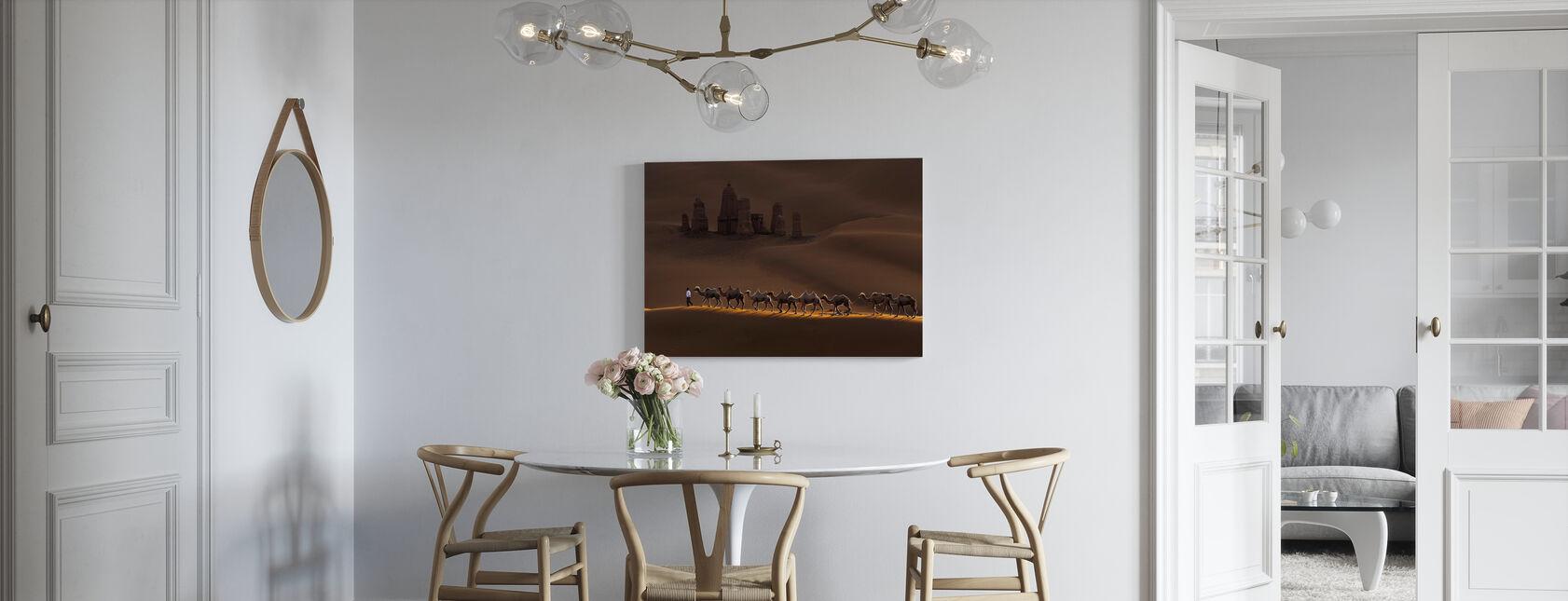 Linna ja kamelit - Canvastaulu - Keittiö