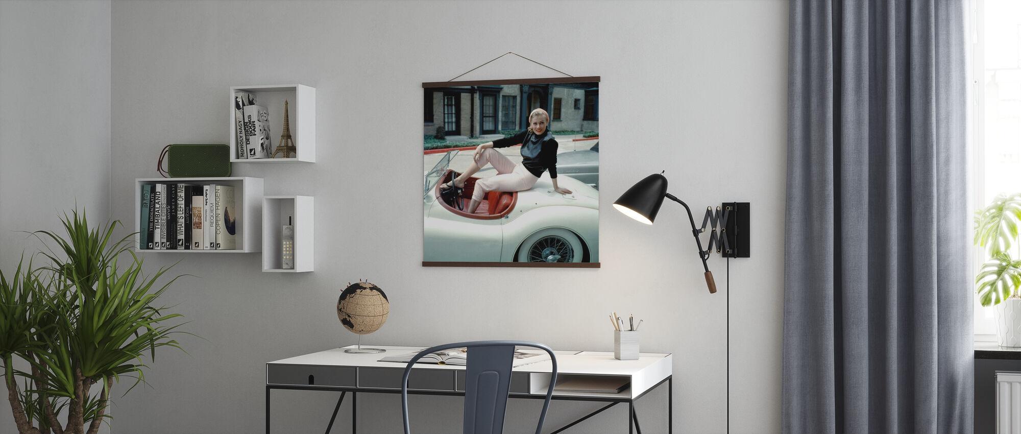 Op haar Jaguar - Poster - Kantoor