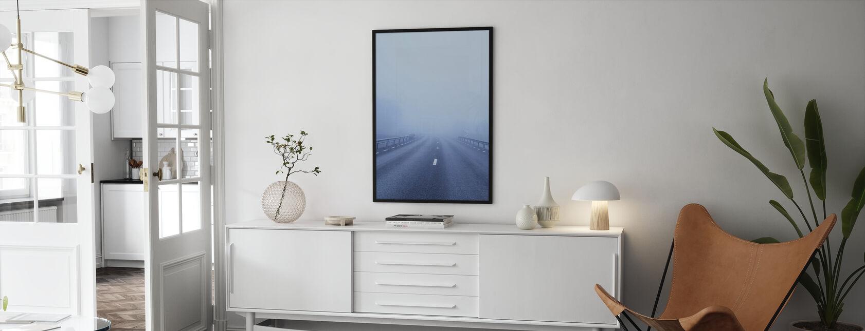 Strada di campagna coperta di nebbia - Poster - Salotto