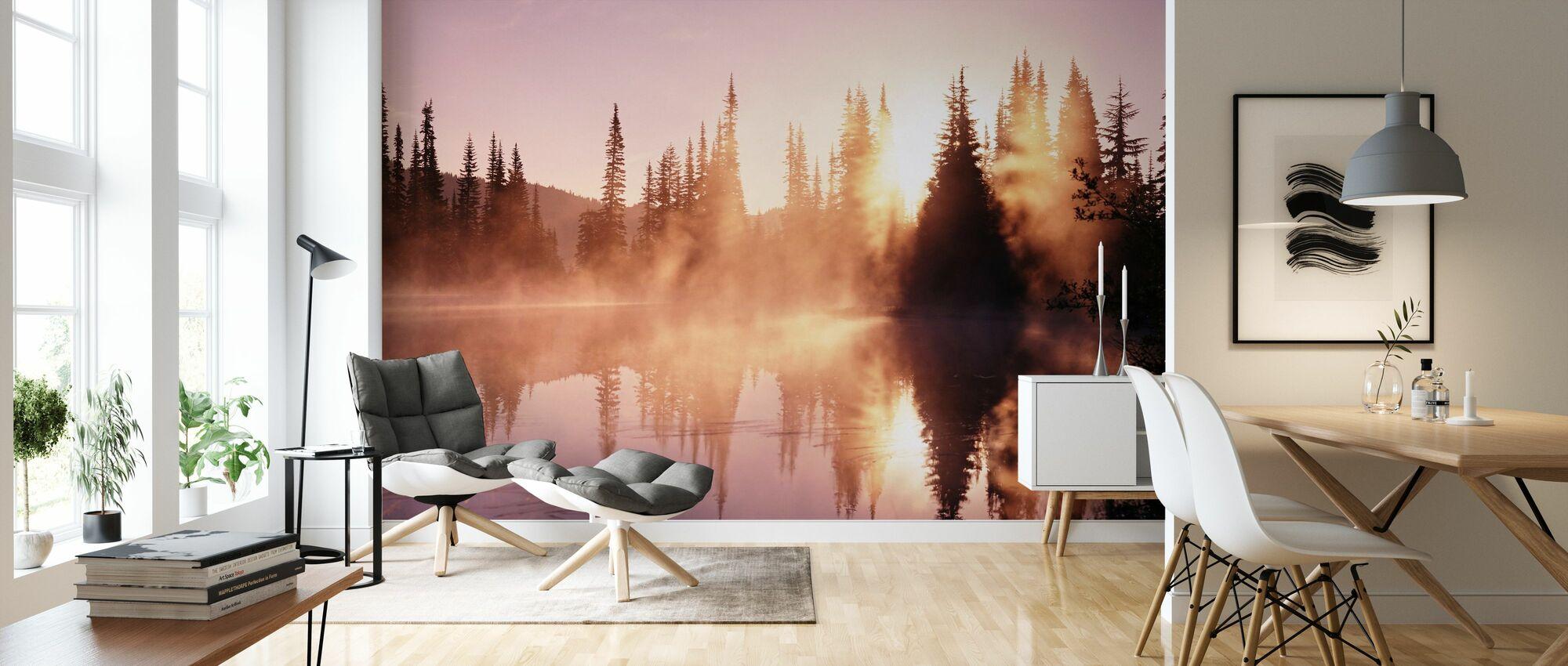 Dimma stiger från sjön - Tapet - Vardagsrum