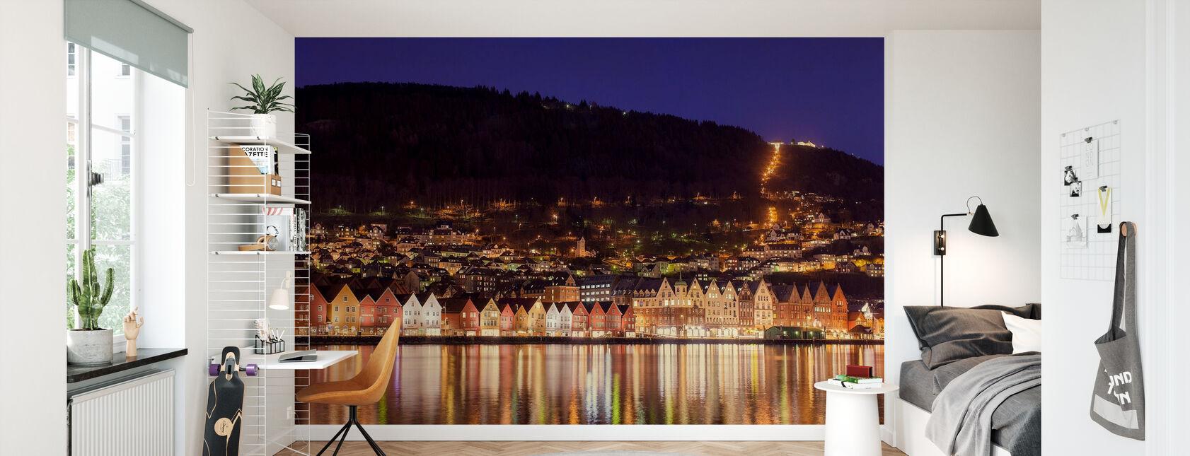 Fargerike Hus i Bergen, Norge - Tapet - Barnerom
