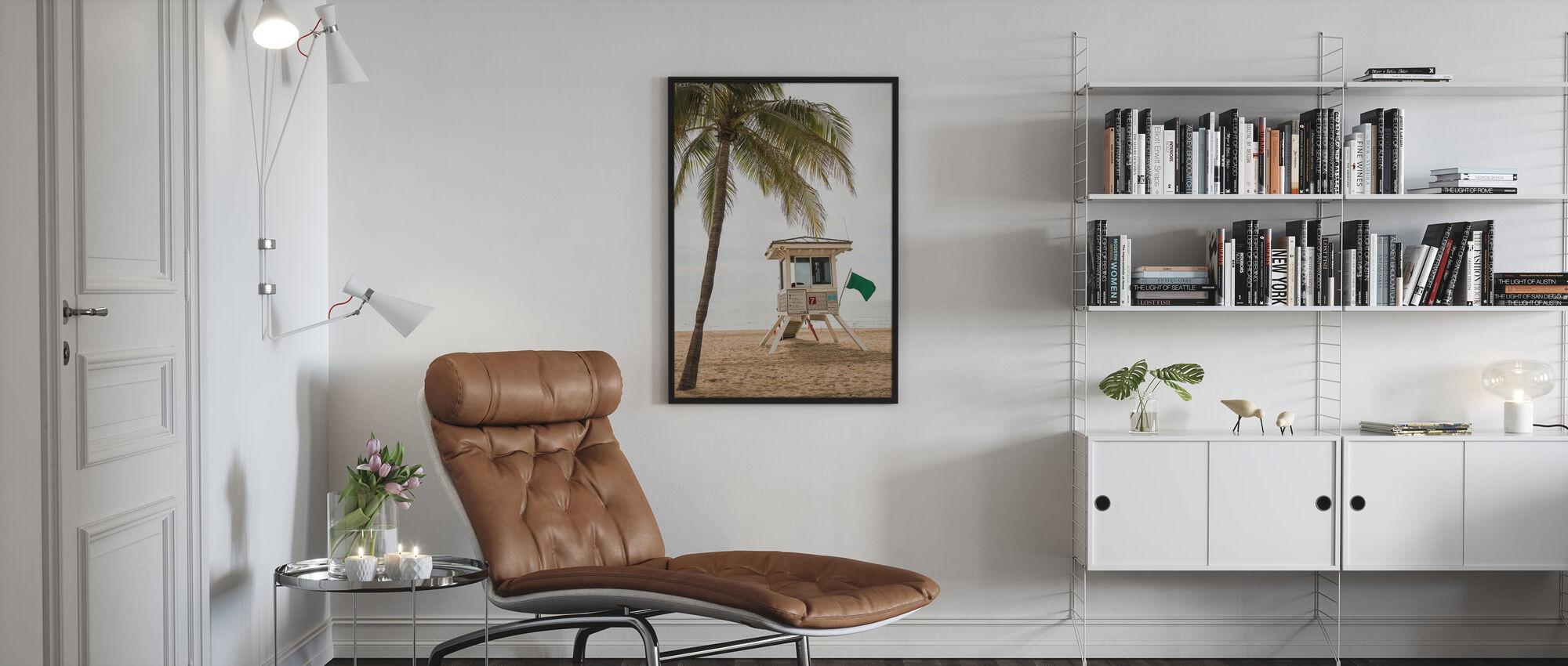 Grüne Flagge auf Florida Beach - Poster - Wohnzimmer