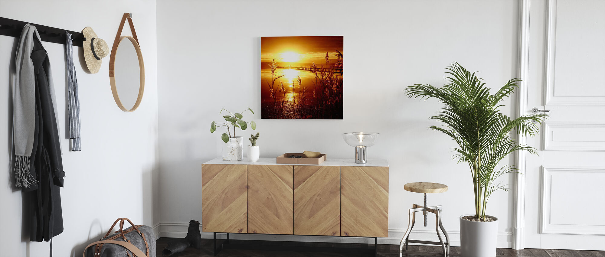 Date with the Sun - Canvas print - Hallway