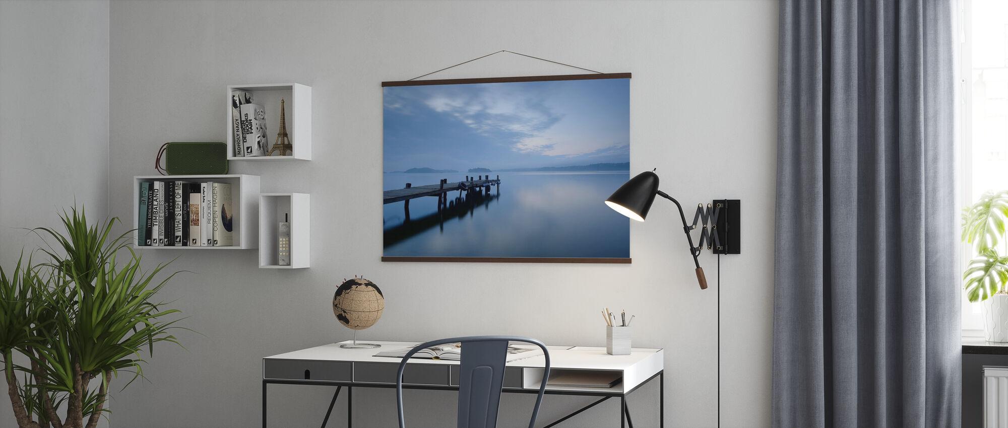 Trä Pier i Stilla sjön - Poster - Kontor