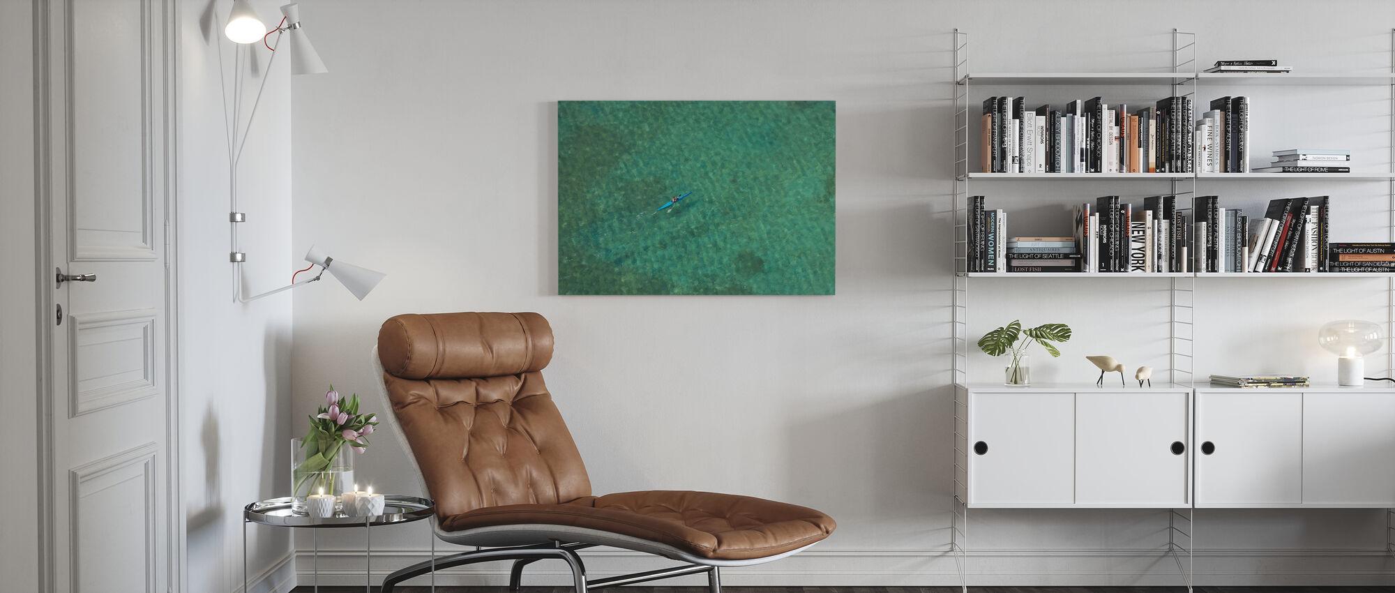 Alleen in de Atlantische Oceaan - Canvas print - Woonkamer