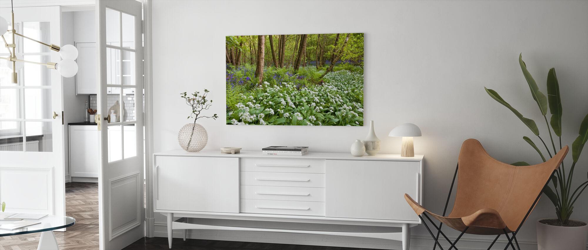 Björnvitlök och blåbells - Canvastavla - Vardagsrum
