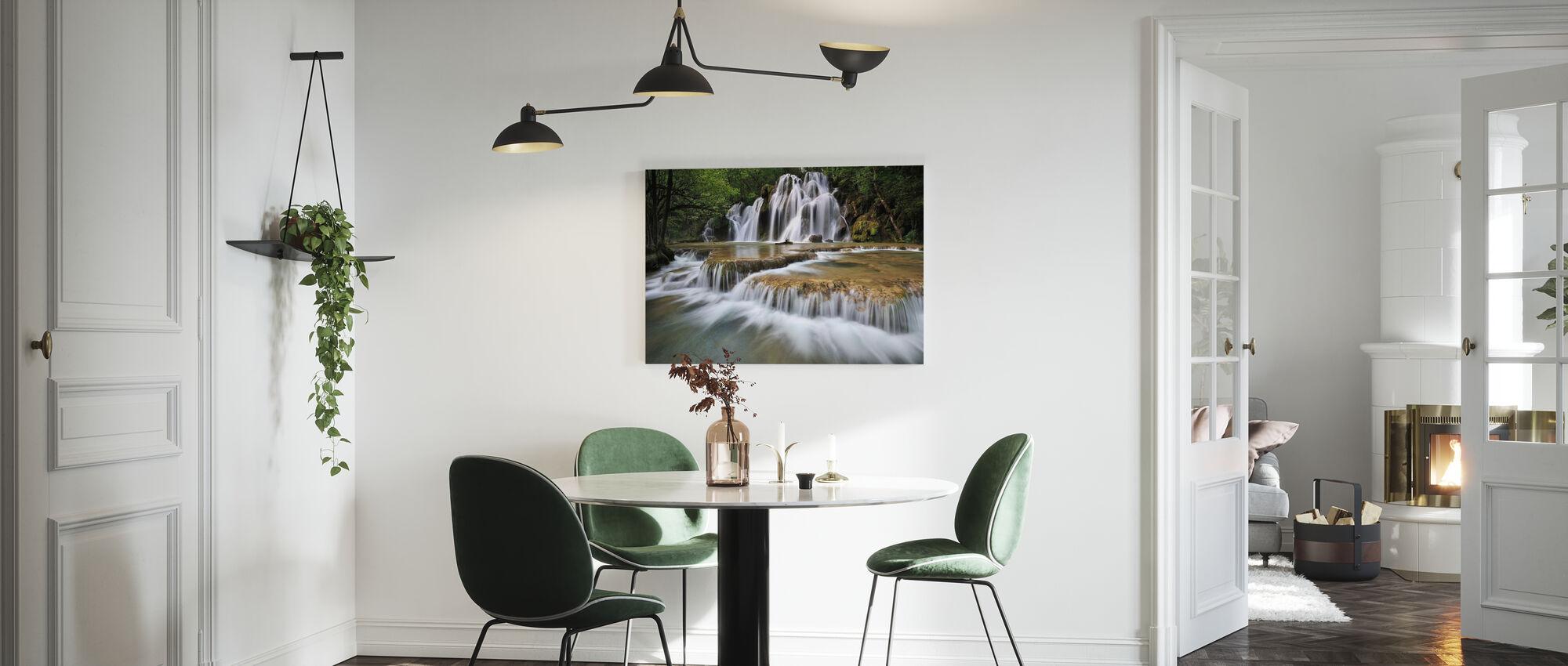 Flödande vatten i Frankrike - Canvastavla - Kök
