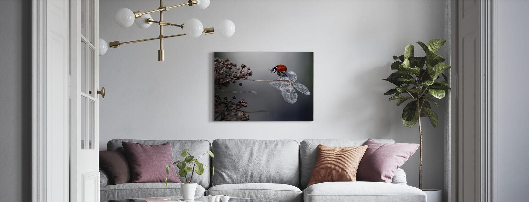 Leppäkerttu Hydrangea - Canvastaulu - Olohuone