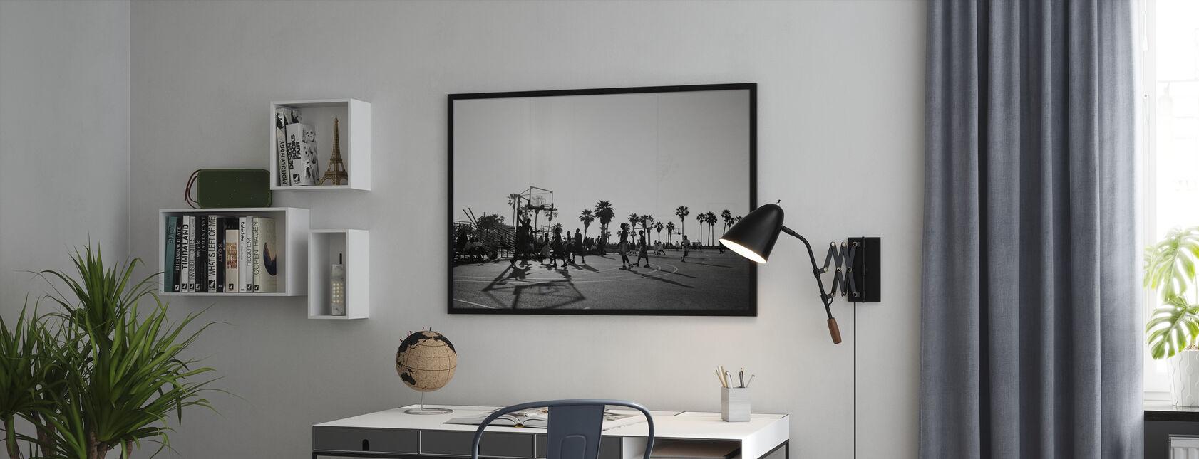 Basketball i gatene i Los Angeles, California - Plakat - Kontor