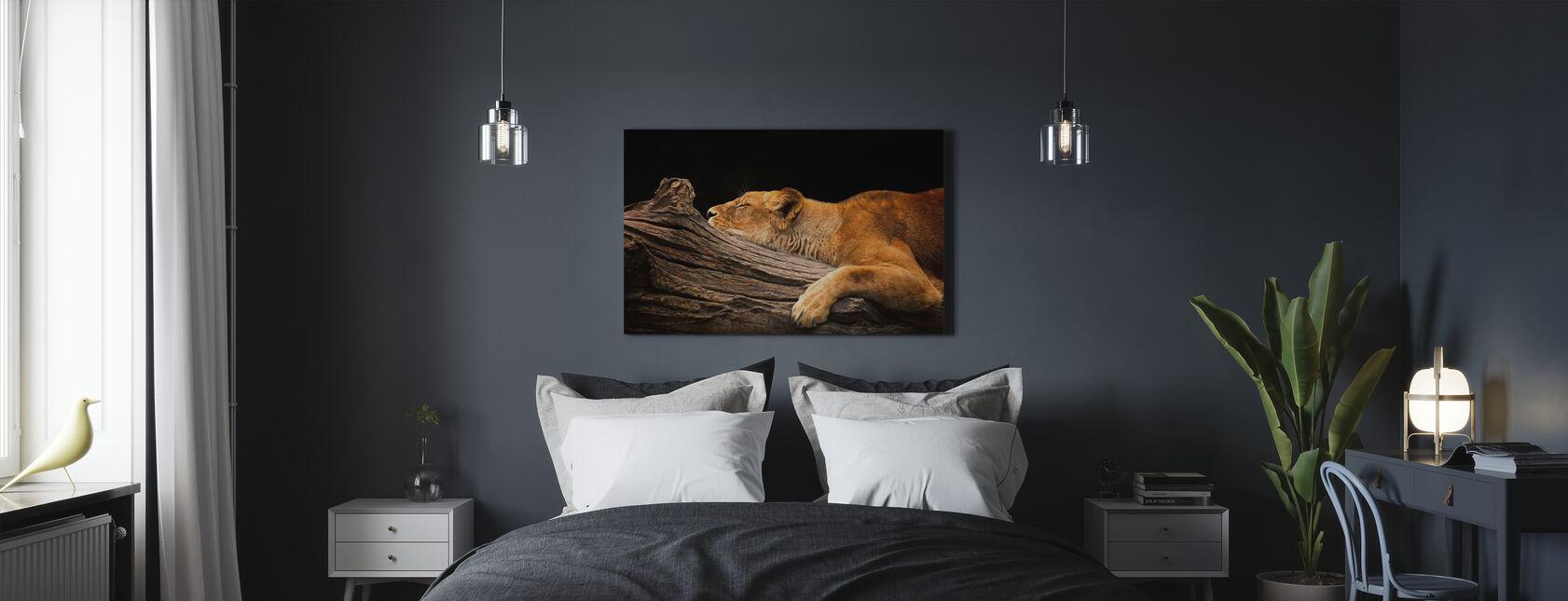 Lejon på logg - Canvastavla - Sovrum