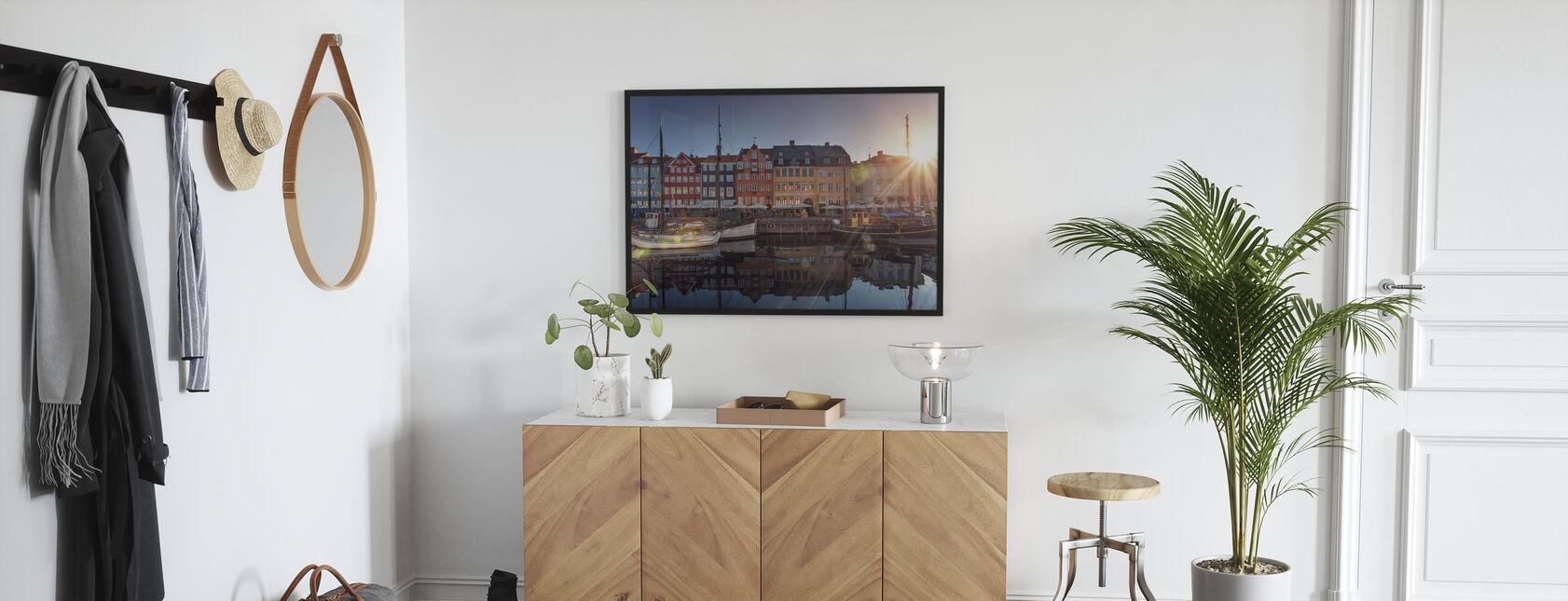 Solnedgang i Nyhavn, København, Danmark - Plakat - Entré
