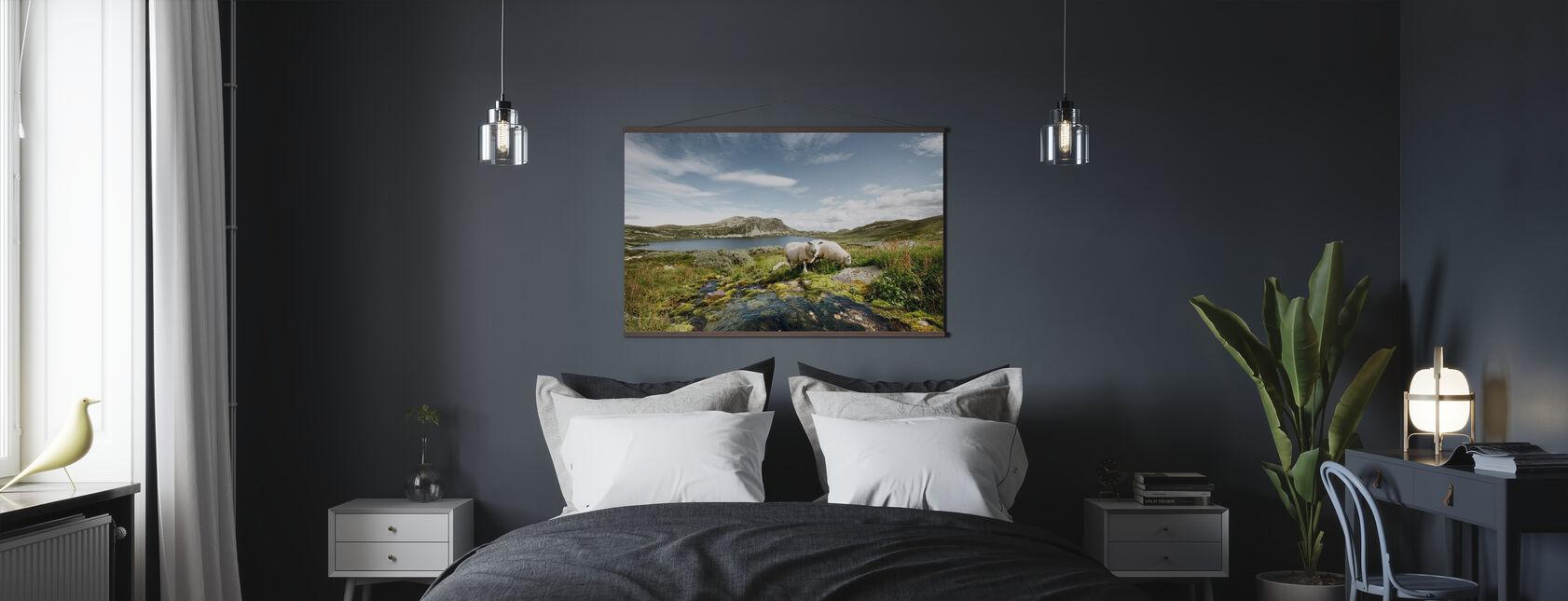 Får ved innsjø i Norge - Plakat - Soverom