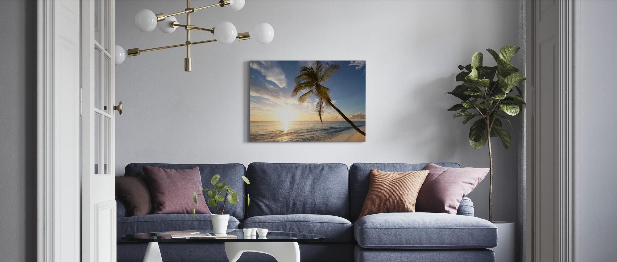 Tropisk solnedgång - Canvastavla - Vardagsrum