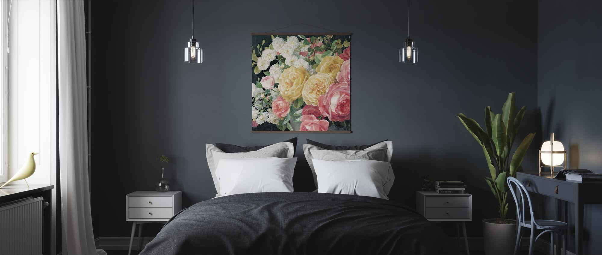 Antikke roser på sort - Plakat - Soverom
