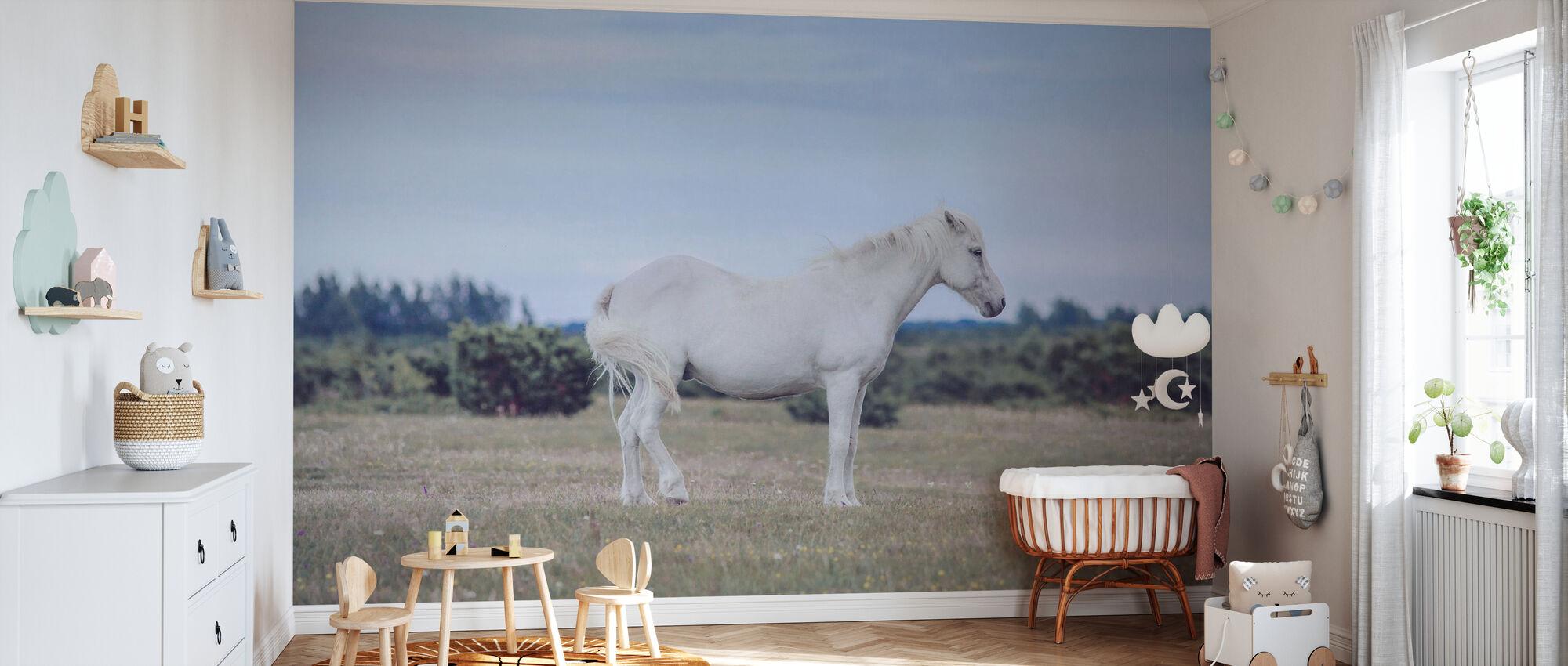 Vit ponny - Tapet - Babyrum
