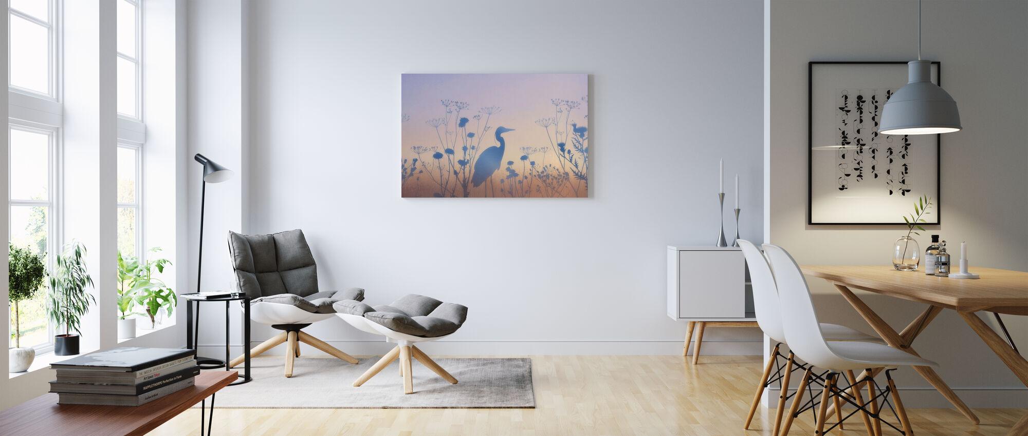 Sininen Dawn siluetteja - Canvastaulu - Olohuone