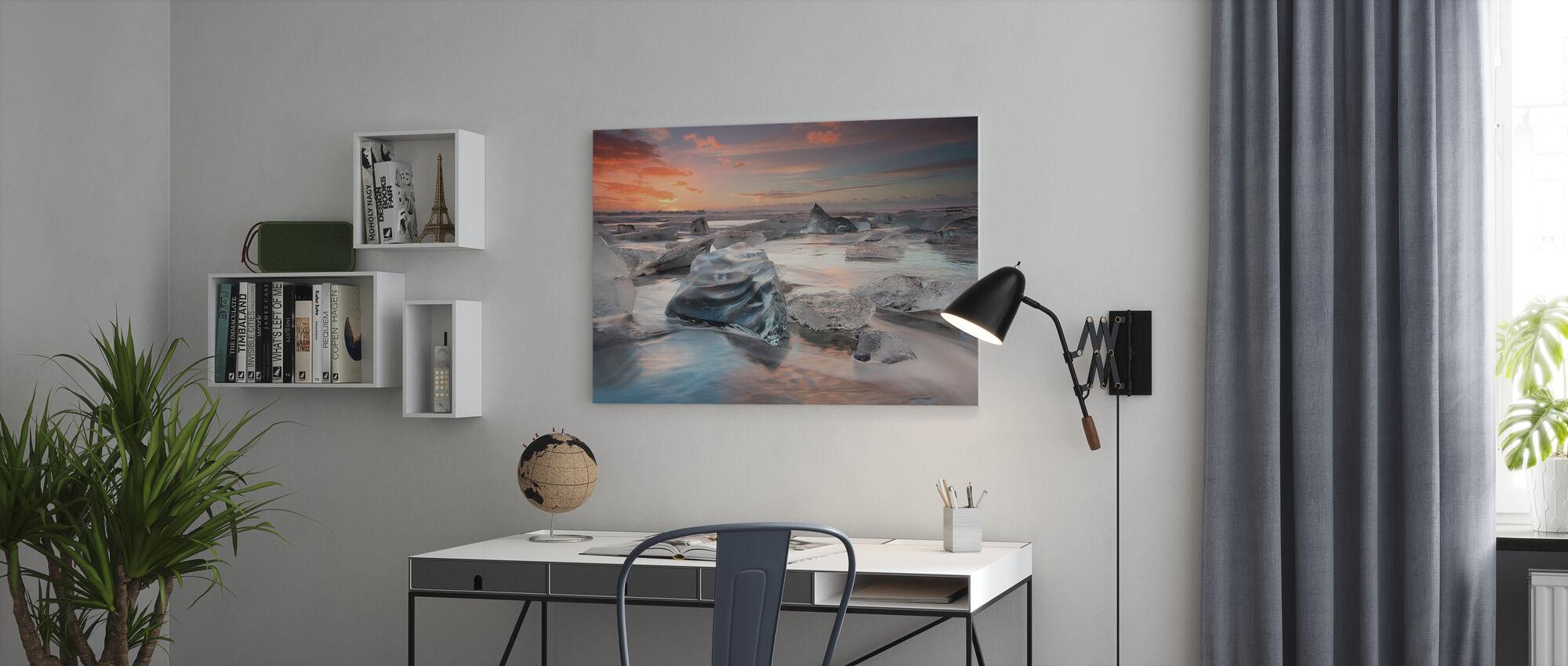 Glacial Lagoon Beach - Canvas print - Office