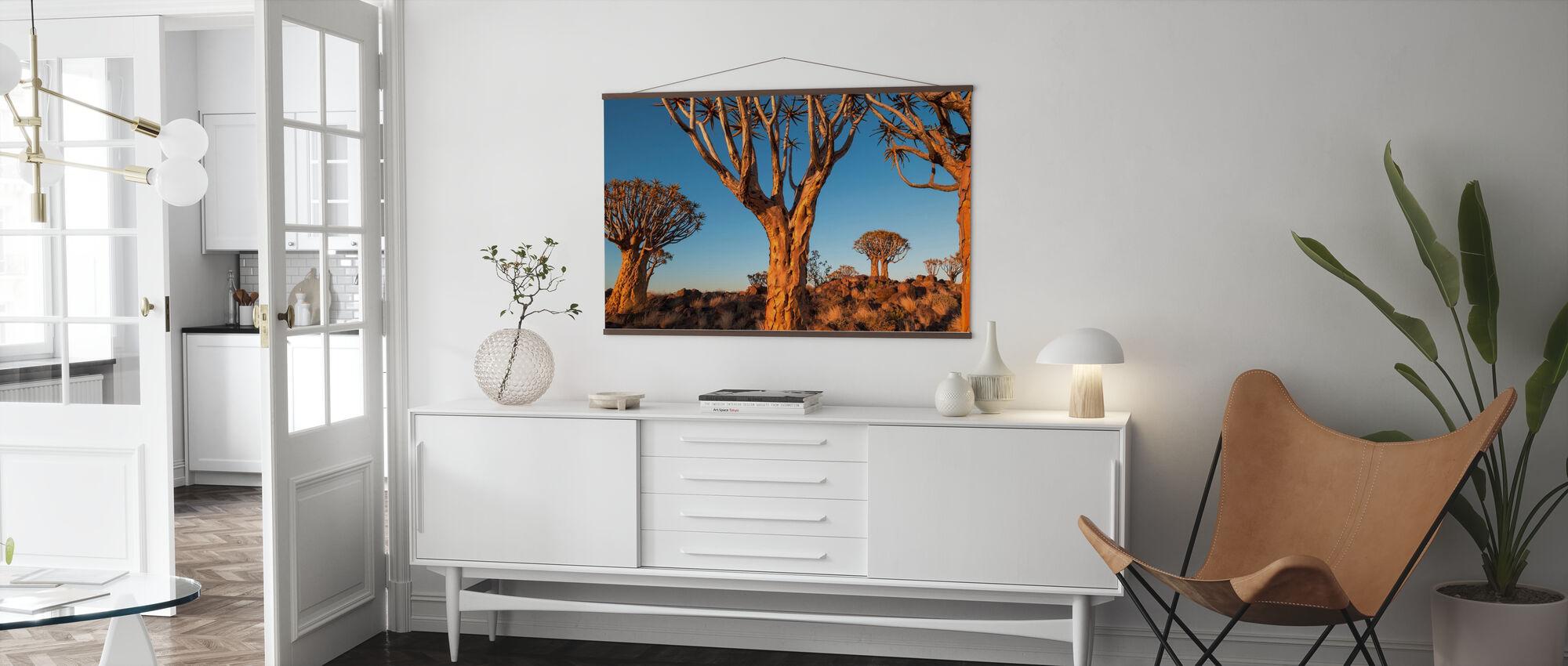 Kviver trær ved solnedgang - Plakat - Stue