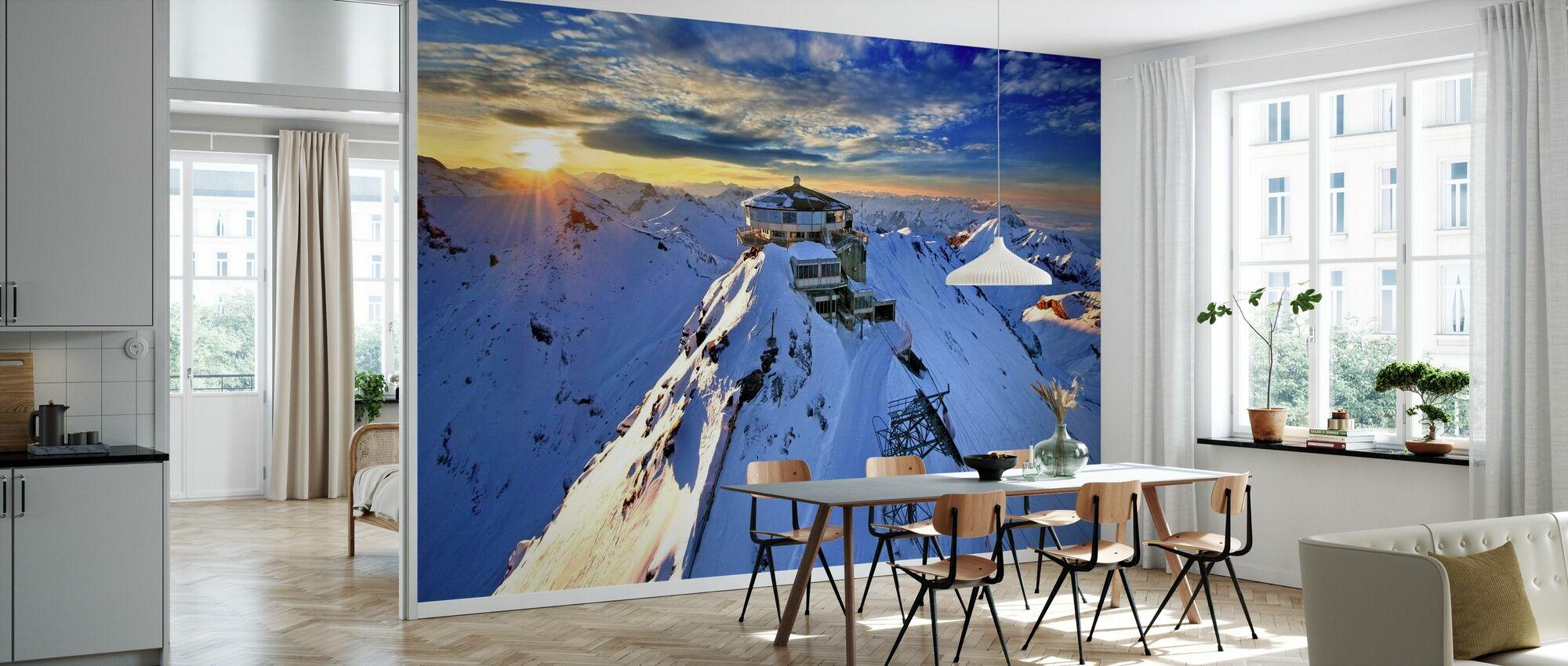 Schiltorn Mountain Station - Wallpaper - Kitchen