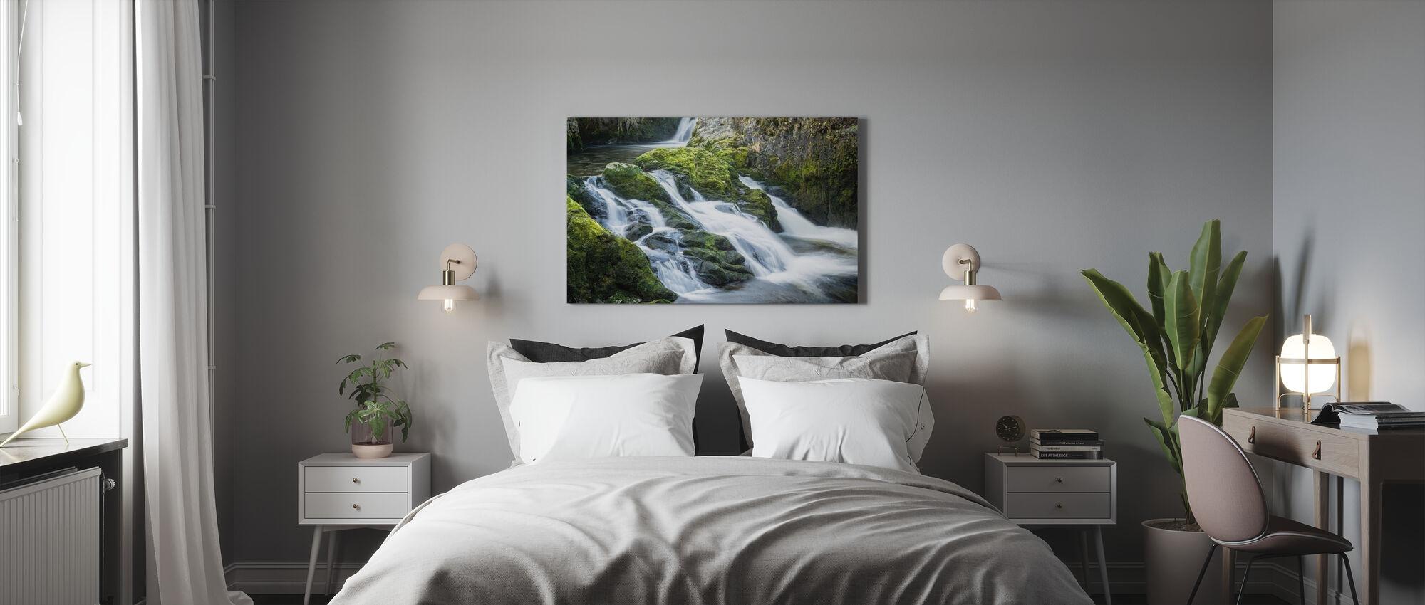 Kaskader av vattenfall - Canvastavla - Sovrum