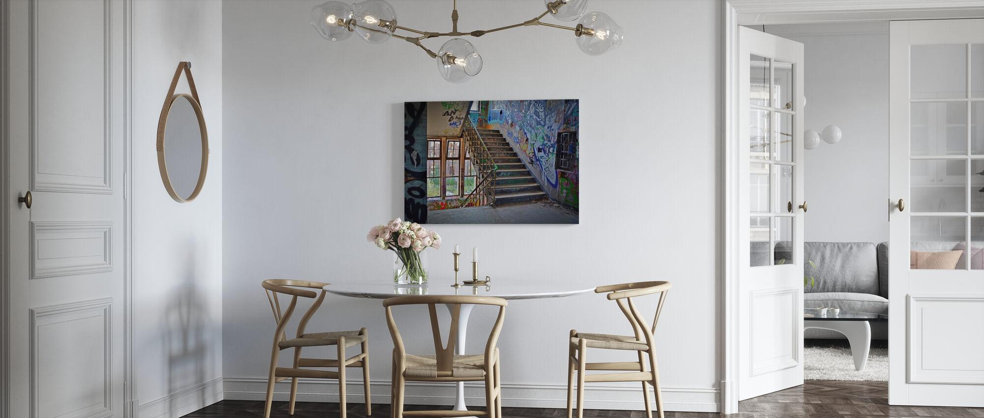 Industrieel gebouw Trap - Canvas print - Keuken