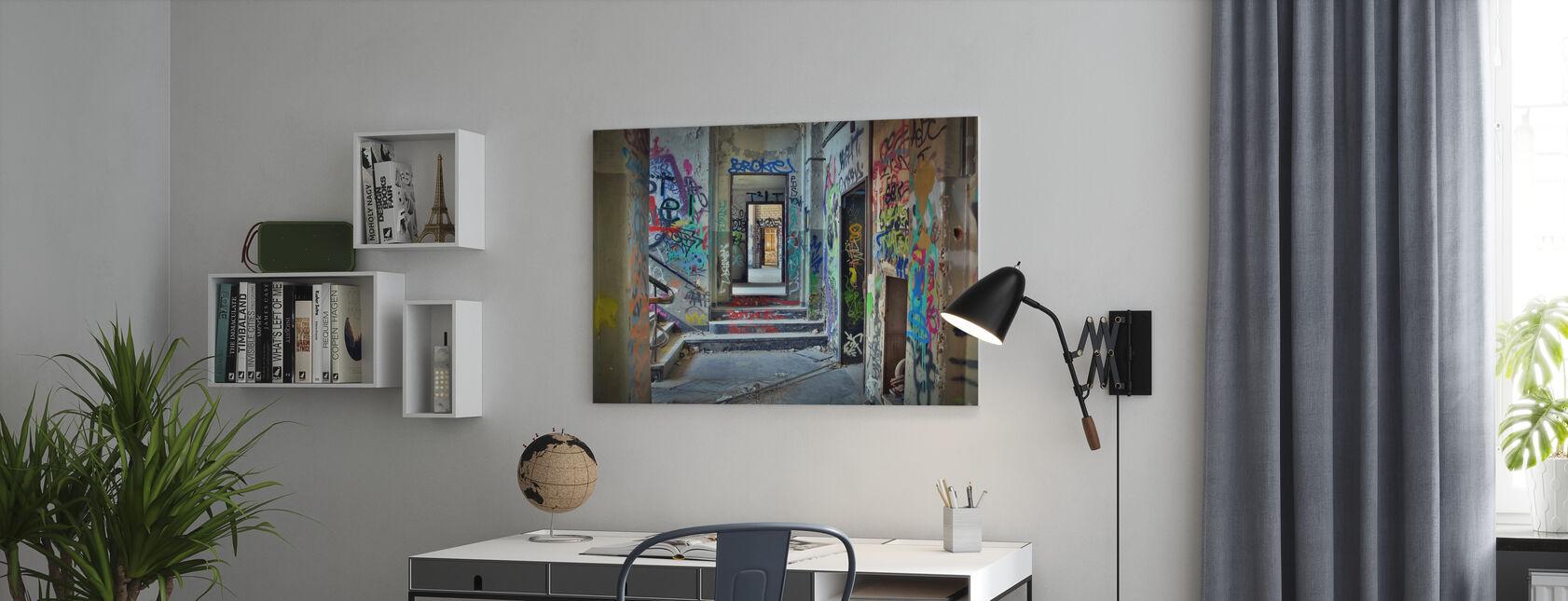 Ruïnes van industriële gebouwen - Canvas print - Kantoor