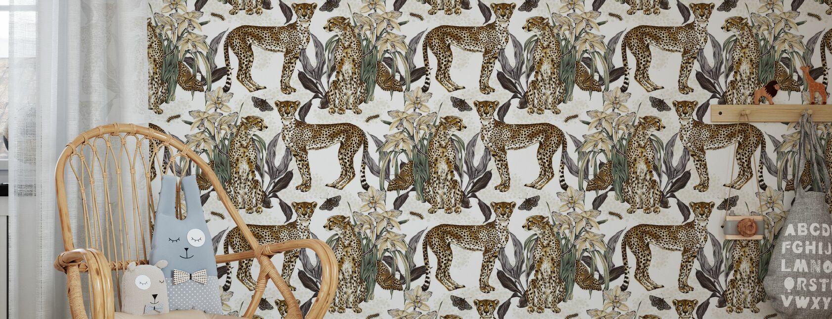 Cheetah Reveries - konjak och stål - Tapet - Barnrum