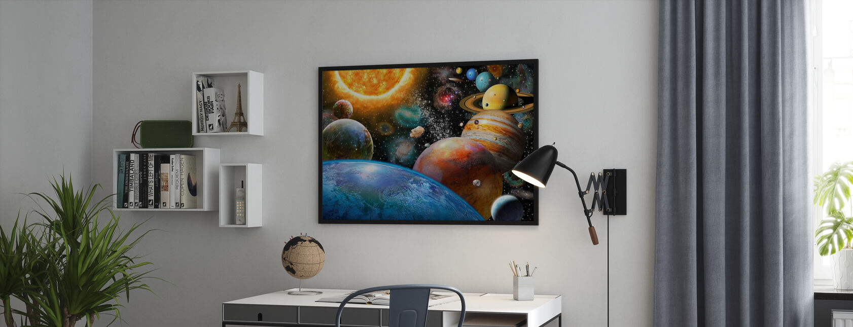 Planeetat ja niiden kuut - Kehystetty kuva - Toimisto