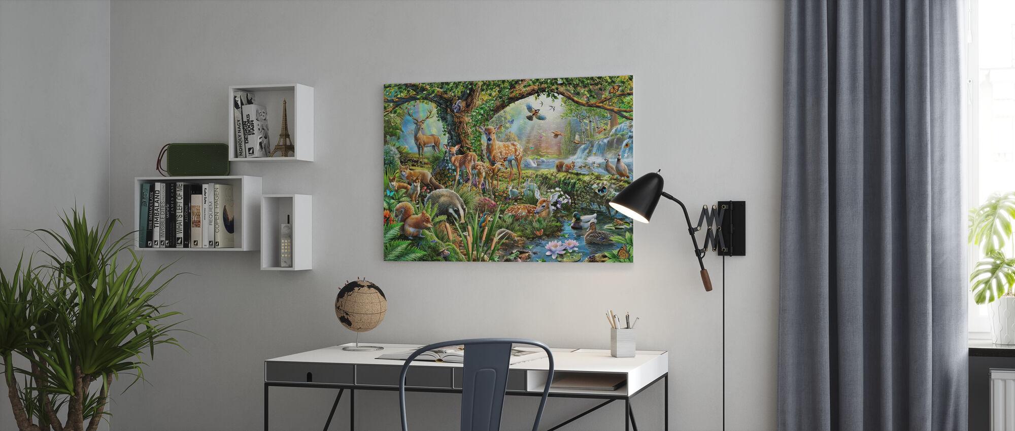 Skogsmark varelser - Canvastavla - Kontor
